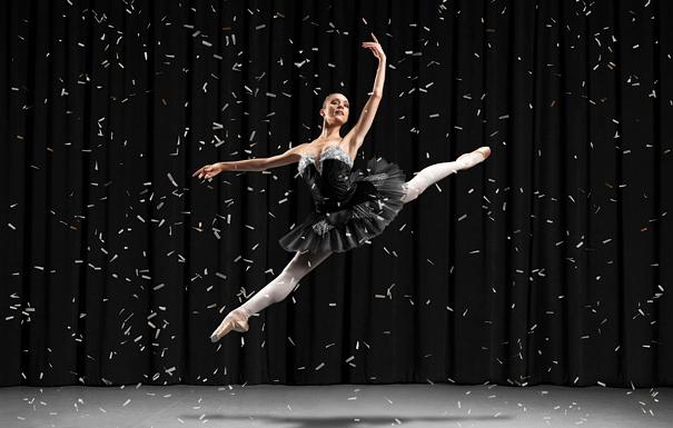 Super Bowl parallax ballet